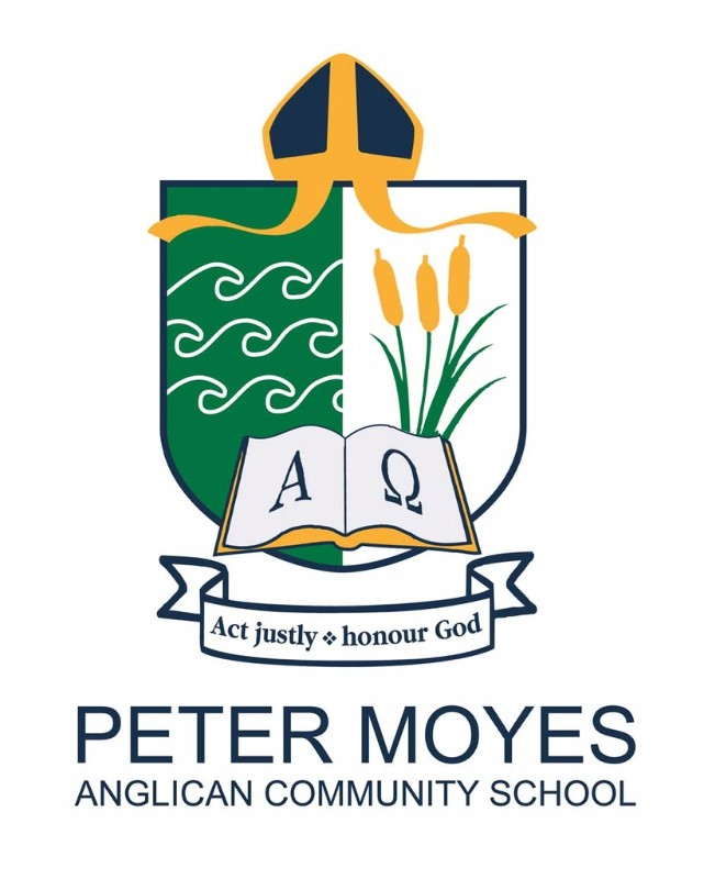 Peter-Moyes-Crest-with-name-small