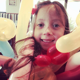 Balloon-Twisting-Bentley-Hotel-Encore-Kids-Parties