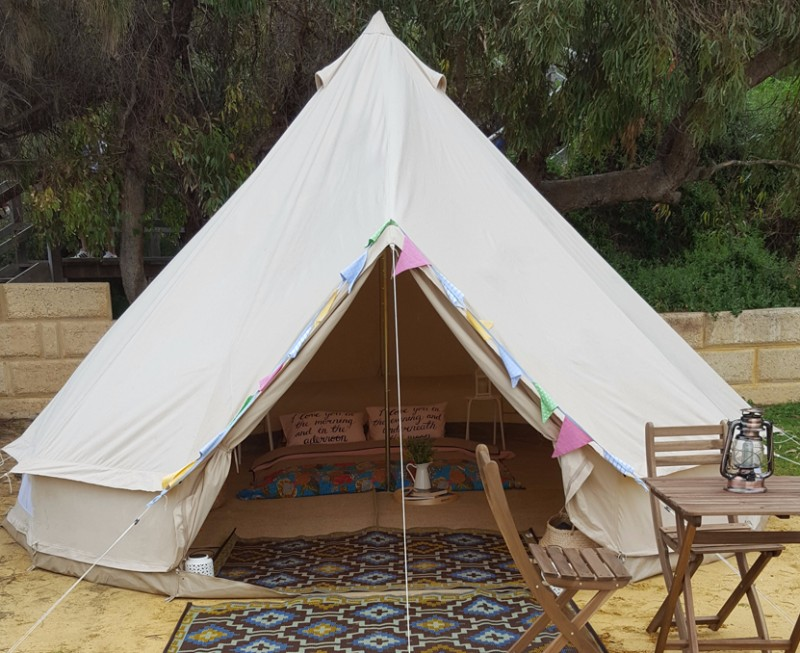 bell_tent_couples_glamping_underthelittletop