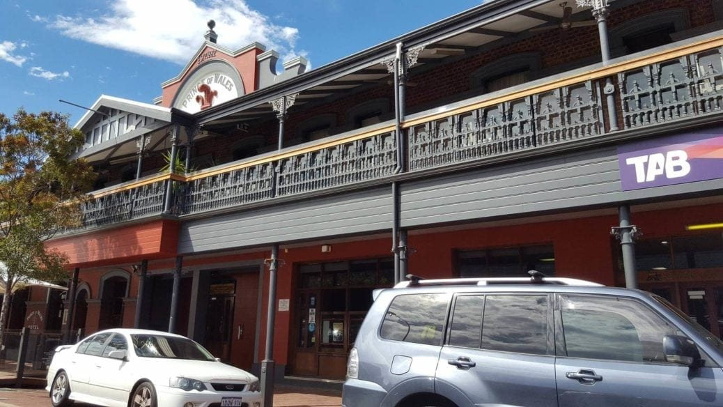 Prince of Wales Hotel Bistro Bunbury - Buggybuddys guide to Perth