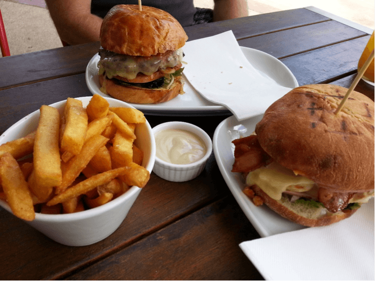 V Burger, Floreat Forum Shopping Centre
