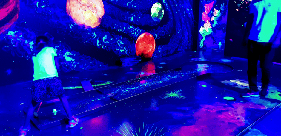 glowing rooms mini golf perth