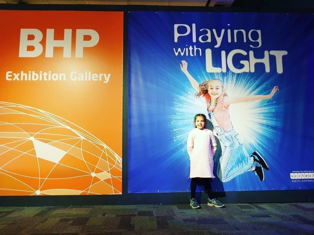 Playing with Light, Scitech